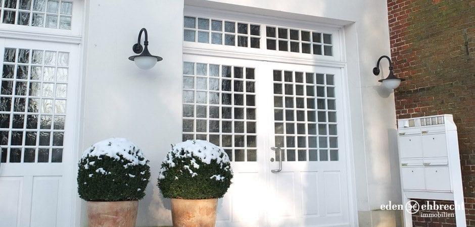 http://eden-ehbrecht-immobilien.de/wp-content/uploads/2012/09/Hankenhof_Aussen.jpg