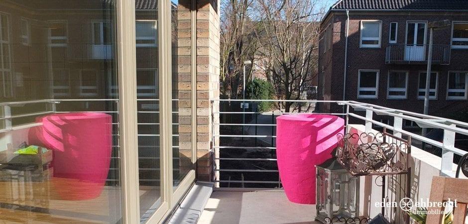 http://eden-ehbrecht-immobilien.de/wp-content/uploads/2013/03/Amalie_H3_WE01_Balkon.jpg