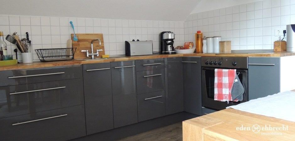 http://eden-ehbrecht-immobilien.de/wp-content/uploads/2013/05/Theaterwall_Küche.jpg
