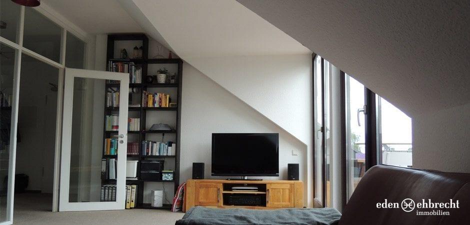 http://eden-ehbrecht-immobilien.de/wp-content/uploads/2013/05/Theaterwall_Wohnzimmer4.jpg