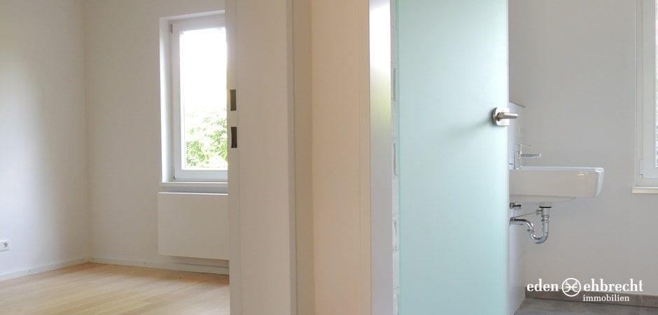https://eden-ehbrecht-immobilien.de/wp-content/uploads/2013/06/Niederkamp_flur-schlaf-bad.jpg