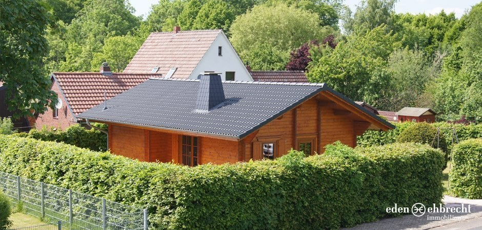 Eden-Ehbrecht Immobilien - Holzhaus am Weserdeich