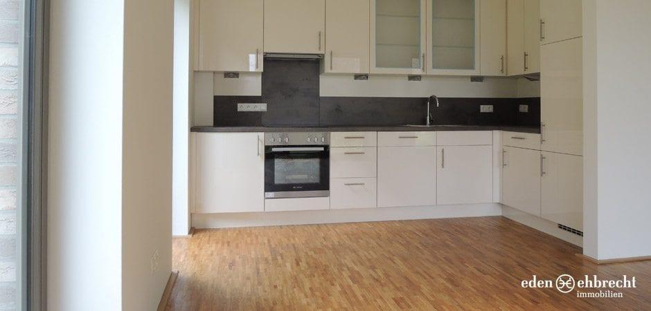 http://eden-ehbrecht-immobilien.de/wp-content/uploads/2013/08/Amalie_H2_WE01_küche-einbauküche.jpg