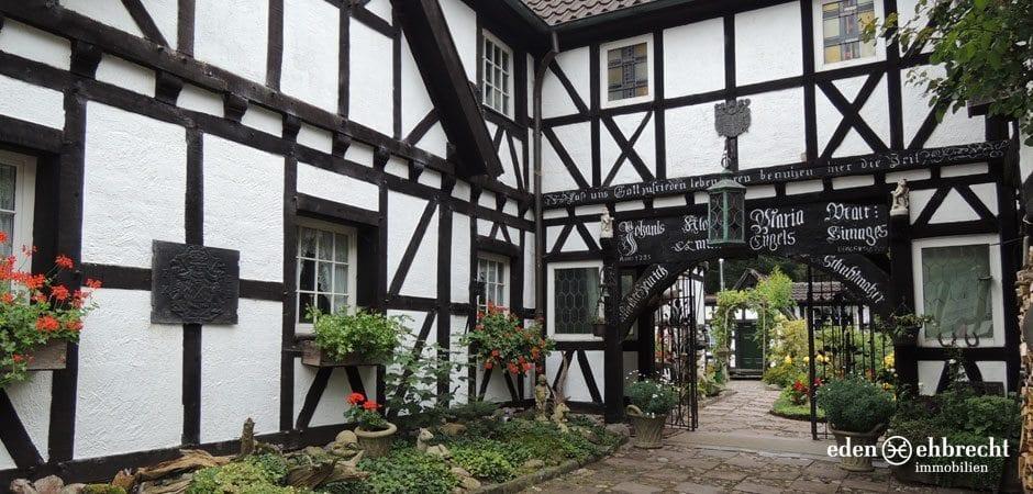 https://eden-ehbrecht-immobilien.de/wp-content/uploads/2013/08/Fachwerkhaus_Hatten_Fachwerkhaus.jpg