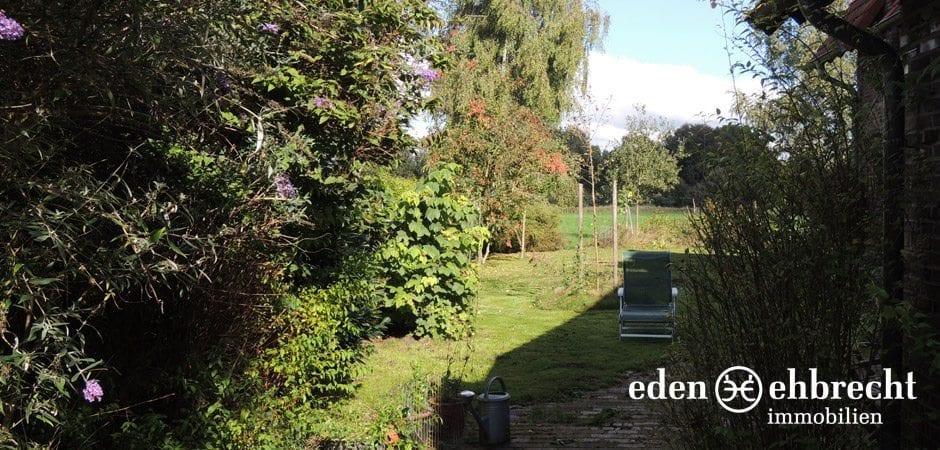 http://eden-ehbrecht-immobilien.de/wp-content/uploads/2013/12/Bürgerbuschweg_garten-seitenansicht.jpg