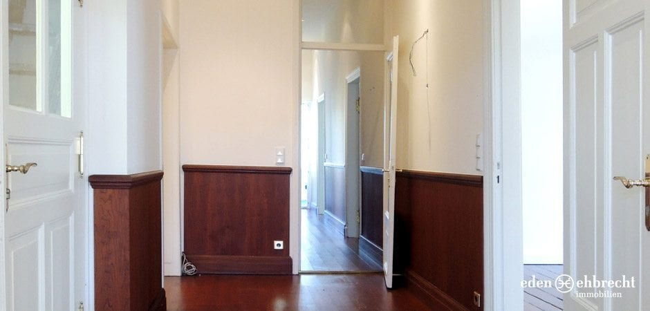 https://eden-ehbrecht-immobilien.de/wp-content/uploads/2013/12/Moltkestrasse_flur-vorne-blick.jpg
