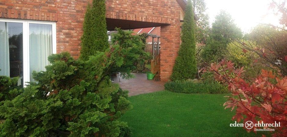 http://eden-ehbrecht-immobilien.de/wp-content/uploads/2013/12/eden-ehbrecht_varel-aussen-terrasse2.jpg