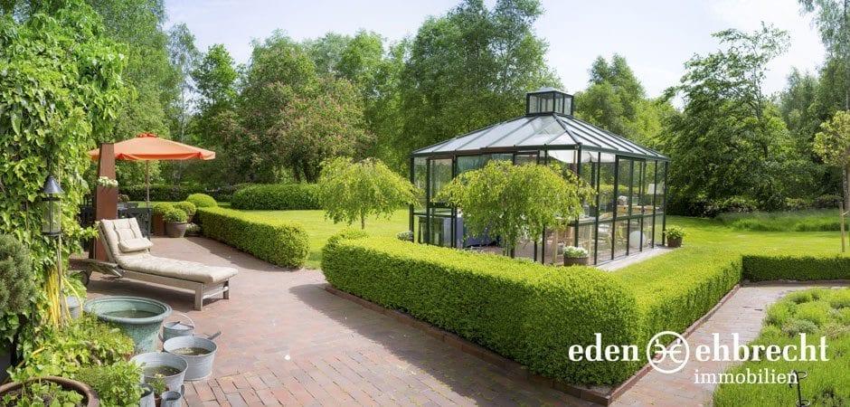 http://eden-ehbrecht-immobilien.de/wp-content/uploads/2014/07/eden-ehbrecht-immobilien_Bauernkate_Gartenimpression_940x450.jpg