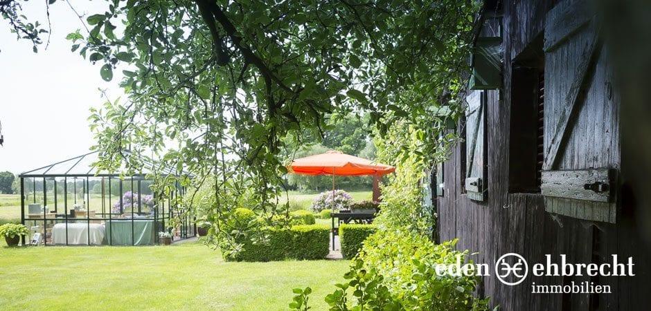 http://eden-ehbrecht-immobilien.de/wp-content/uploads/2014/07/eden-ehbrecht-immobilien_Bauernkate_Pferdeställe_940x450.jpg